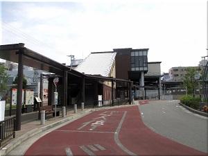 JR「魚住駅」の南出口のたこバス乗り場 1