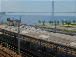 朝霧歩道橋から見た明石海峡大橋