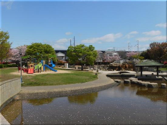 中尾親水公園 遊具施設