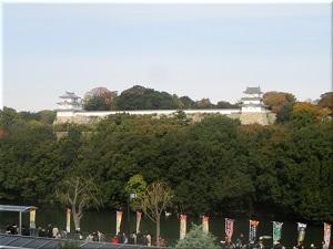 JR明石駅ホームから見た明石城 1