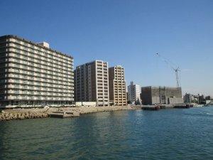 明石港と高層住宅
